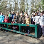 Tous les bénévoles en fin de matinée devant la nouvelle barrière du chemin des étangs